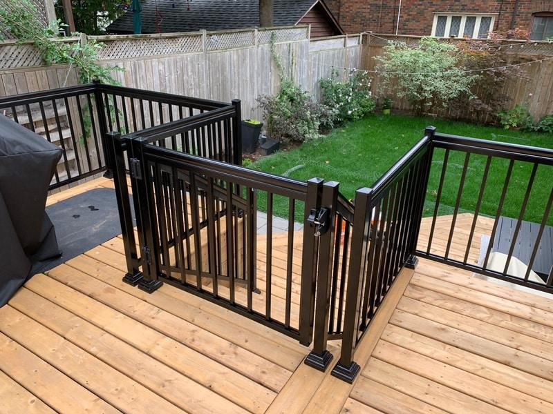 picket balcony railings toronto